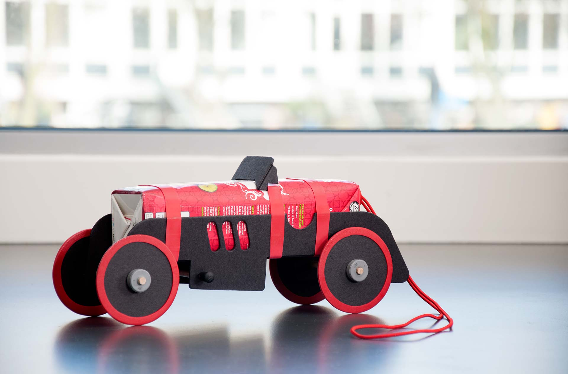 Rubber Band Car Joachim Karelse